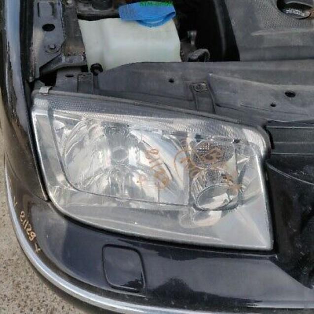 Frontscheinwerfer Scheinwerfer VW Bora rechts Beifahrerseite