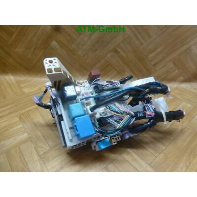 Sicherungskasten Toyota Yaris 82730-52700 60307-1576 8407 82141 CT 0D880